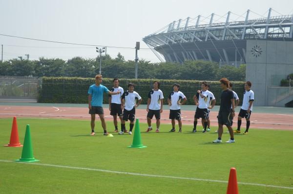 本田圭佑選手とのコーチングスタッフ研修の実施